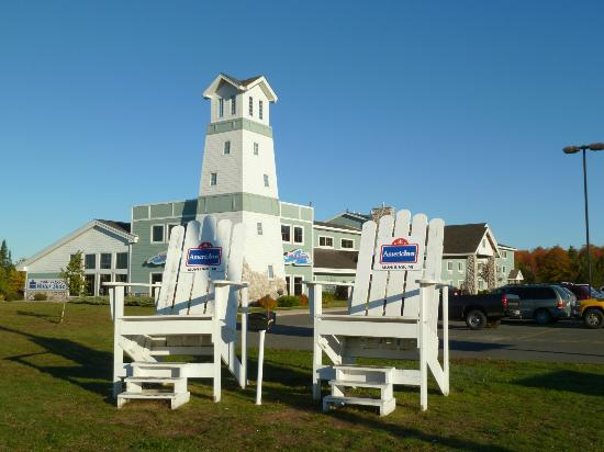 AmericInn Lodge & Suites Munising: Oversized chairs - great photo op!