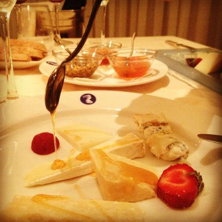 Villa La Principessa: Wonderful cheese tasting at the hotel's restaurant