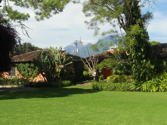 Porta Hotel Antigua: Great scenery from the hotel