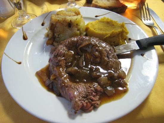 Chez Anne-Marie: bavette sauce echalottes purée de carottes aux épices et pommes de terre a la graisse d'oie
