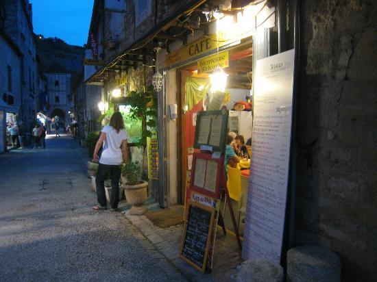 Chez Anne-Marie: devanture du restaurant