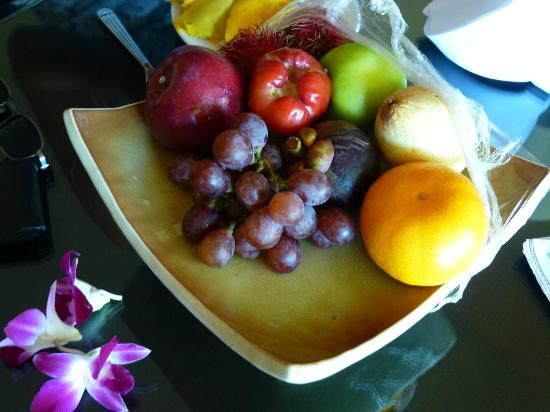 Hilton Phuket Arcadia Resort & Spa: Welcome fruits