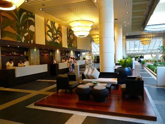 Hilton Phuket Arcadia Resort & Spa: Lobby 