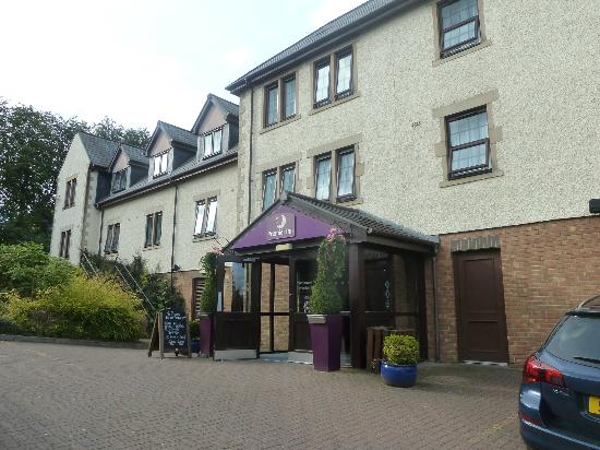 Premier Inn Glasgow (Bearsden) Hotel: outside of the hotel