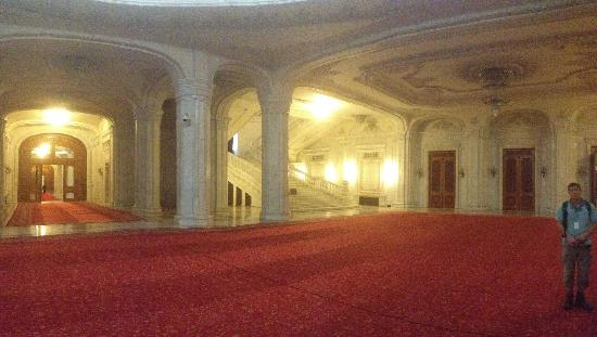 Palace of Parliament: Hall