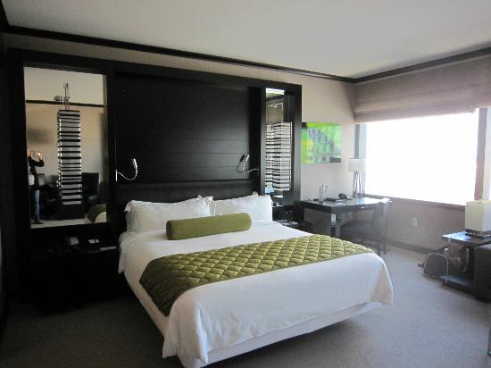 Vdara Hotel & Spa: Bed