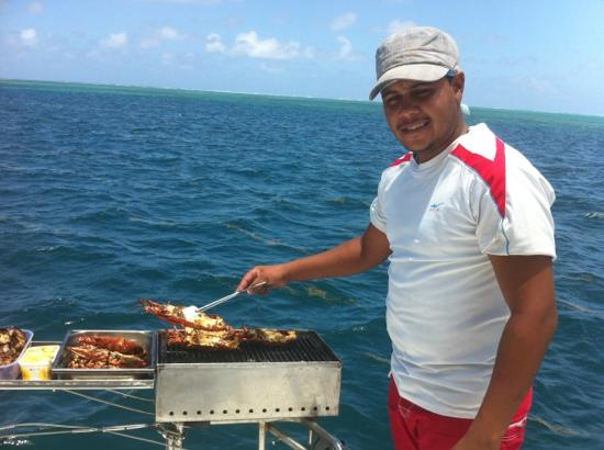 Four Seasons Resort Mauritius at Anahita : grilled lobsters for lunch aboard our private yacht
