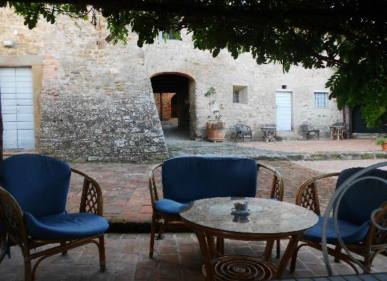 Agriturismo di Mezzano: il patio di una delle camere