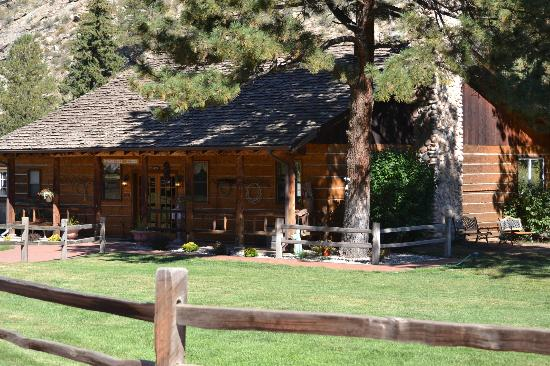 North Fork Ranch: The main lodge
