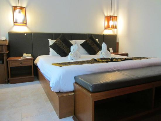 Banana Fan Sea Resort: Comfy bed