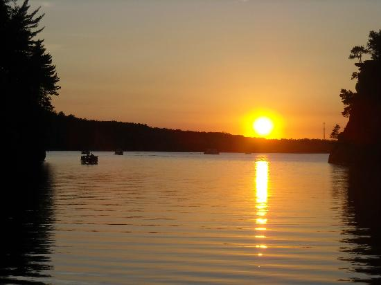Dells Boat Tours: The Sunset