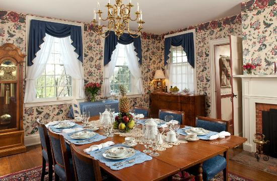 Abner Adams House Bed & Breakfast Inn: Abner Adams House Dining Room