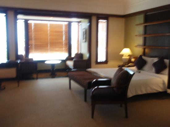 Sutera Harbour Resort (The Pacific Sutera & The Magellan Sutera) : club room (with no sea view!)