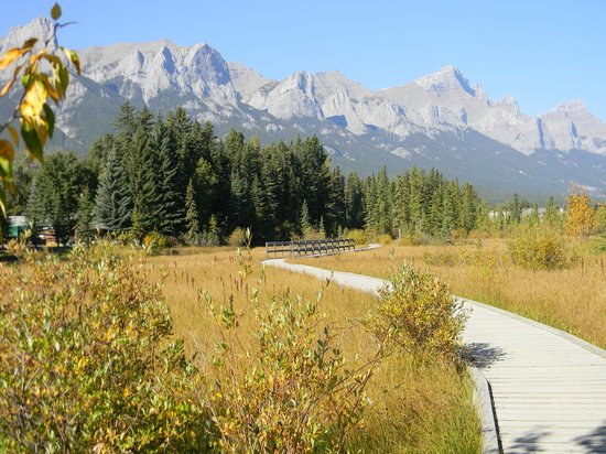 Canmore, Canadá: Along Policeman's Creek Boardwalk