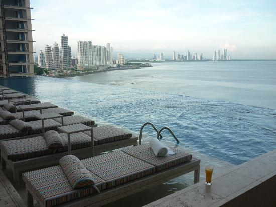 Piscine picture of trump international hotel tower panama panama city tripadvisor for Piscine issoire