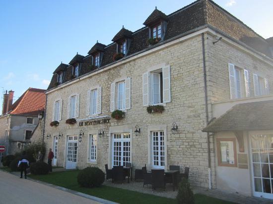 Le Montrachet: Hotel