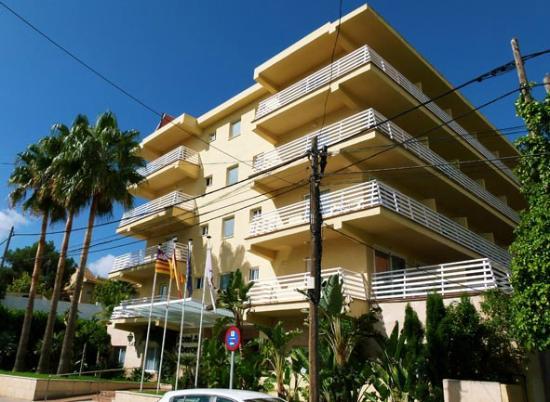 Hotel Roc Oberoy: Außenansicht von Straße aus gesehen am Tag