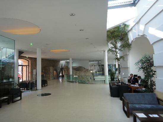 Palais Coburg Hotel Residenz: ロビー周り