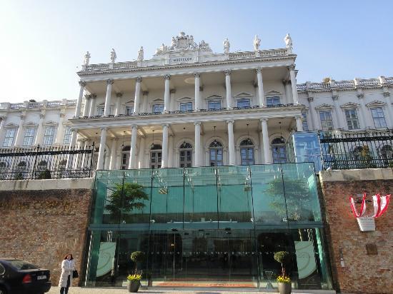 Palais Coburg Hotel Residenz: 外観