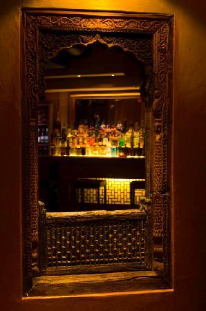 Kandahar Bar & Restaurant: Apres Ski, Thai & Indian Restaurant, Live Music