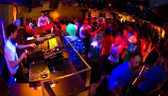 Kandahar Bar & Restaurant: Late night dance party until 04.00 with DJs