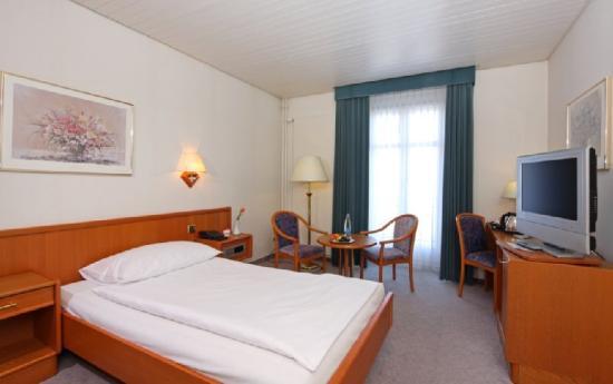 Swiss Dreams Hotel Walzenhausen: Superior double room