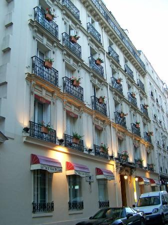 Grand Hotel des Balcons: Outside view of hotel