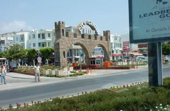 Limak Arcadia Golf & Sport Resort: Ingang Van winkelcentrum Belek