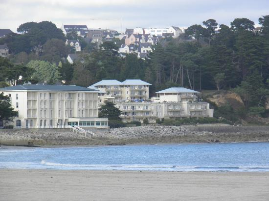 Pierre & Vacances Résidence Cap Morgat : bâtiment à droite