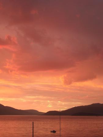Det Rode Huset: Sunset an late August evening