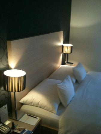 Hotel Mon-Repos : Lit