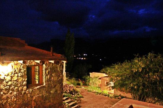 Cerro Chico: Al fondo se pueden ver las luces de la ciudad de Tilcara