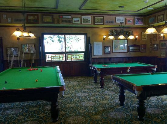 Sandals Emerald Bay Golf, Tennis and Spa Resort: Drunken Duck