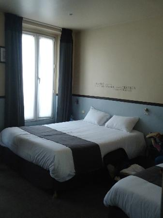 Kyriad Paris 10 - Gare Du Nord : 3 person room