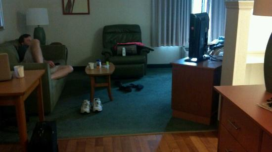 Extended Stay America - Melbourne - Airport: recliner and couch