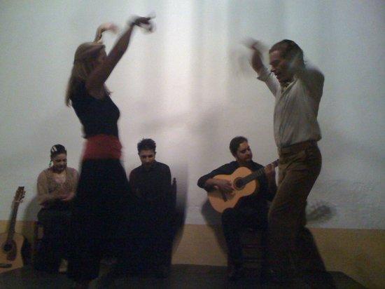 Esencia : Sevillanas dance