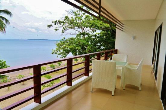 The Oriental Hotel Leyte: Verandah