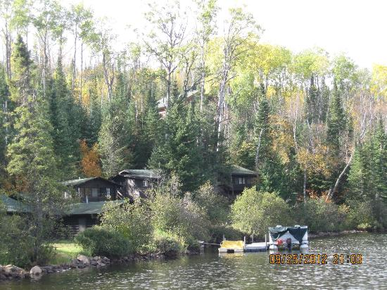 Loon Lake Lodge: View of the cabins from the lake