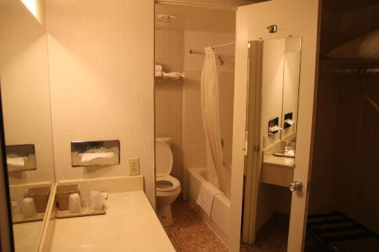 American Holiday Mesa Verde Inn Cortez: Il Bagno
