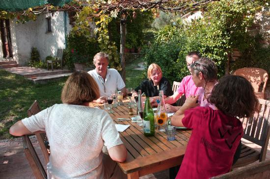 La Fontana: Dining on the terrace overlooking valley