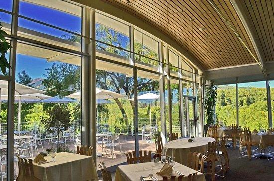 Plato's Restaurant : Classic, Bauhaus-inspired design & decor