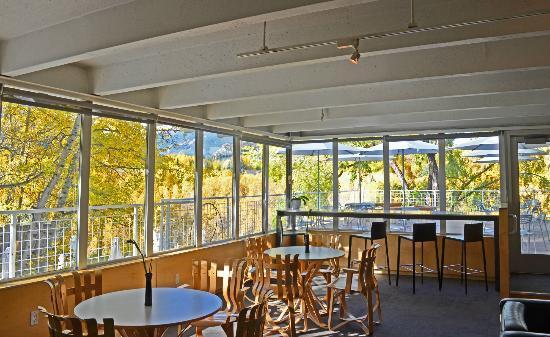 Plato's Restaurant: Hefner Lounge