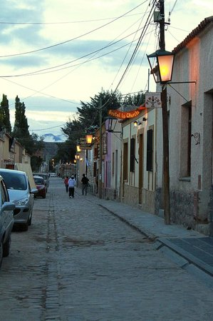 Posada La Churita, Buenos Aires 456 Tel: 42-1055. Humahuaca: Por la calle Buenos Aires, llegando a La Churita