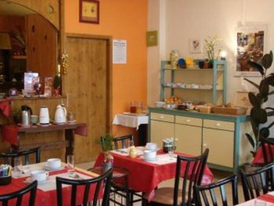 Hotel de Paris et des Voyageurs : Breakfast Room