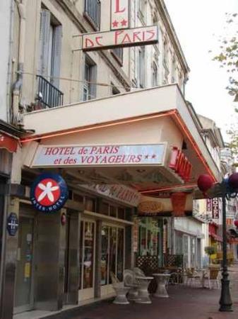 Hotel de Paris et des Voyageurs : Entrance