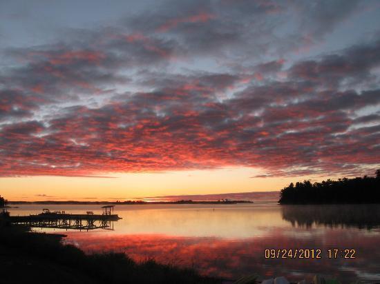Moosehorn Resort: Sunrise Two