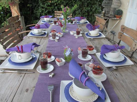 La Maison du Tamisier : Barbara takes great care in presenting breakfast.