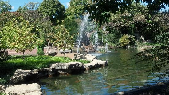 St. Louis Zoo: The Scenic South Entrance Water Fountain