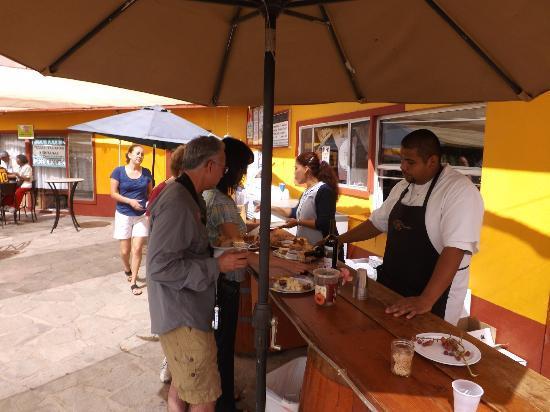 La Casa de Dona Lupe: Wine tasting with food