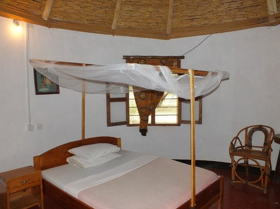 Serengeti Stop Over Lodge : Roomy accommodation.